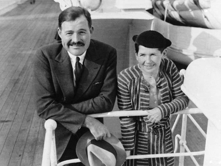 Hemingway ve Pauline Pfeiffer'e ait bir fotoğraf.